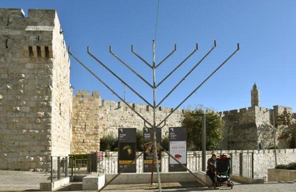 Web-Menorah-by-Jaffa-Gate